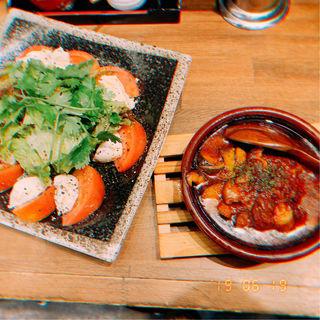 牛すじのトマト煮込み(煮込み専門店マルミヤ)
