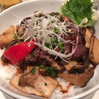 牛網焼きとフォアグラの丼(パークサイドダイナー)