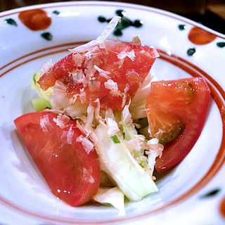 キャベツとフルーツトマトの漬け物サラダ(波やし (はやし))