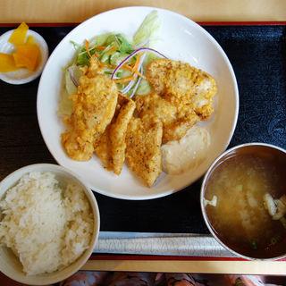 唐揚げ定食(衣笠 (定食レストラン))