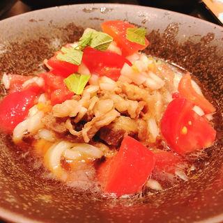 トマトたっぷり牛肉ぶっかけうどん(山下本気うどん)