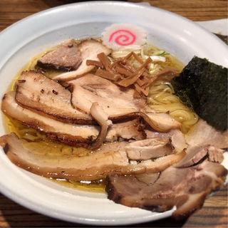 ラーメン1.5玉炙りチャーシュー(ラーメン 青 国界 神田小川町店 (ラーメン アオ))