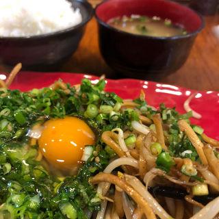 ネギたま焼そば+定食(ごはん・味噌汁)(バソキ屋 西月隈店 焼きそば)