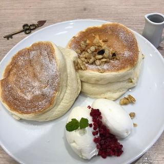 ふわふわパンケーキ~メープルシロップとミルクジェラート添え~