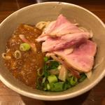 かたい細麺好きのミニ鯛煮干し冷やし塩混ぜそば すっぱジュレ添え