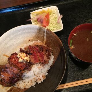 ビフテキ丼(月曜のみ)(洋食や シェ・ノブ )