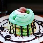 冷製チョコミント エスプーマパンケーキ