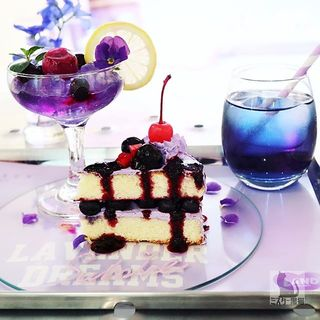 "LAVENDER DREAMS""SWEET SUMIRE CAKE SET""(ヴィクセン カフェ (VIXEN CAFE))"