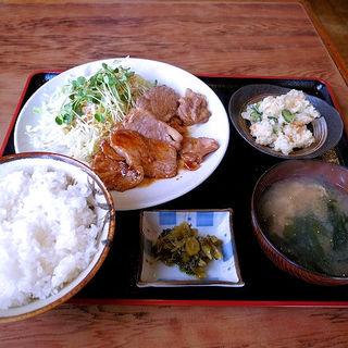 豚肩ロースソテー定食 ポテトサラダ付(いわい食堂 )