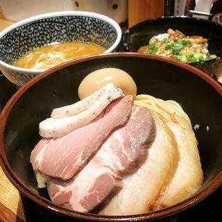 チャーシュー濃厚魚介つけ麺+味玉(麺屋 一燈 (いっとう))