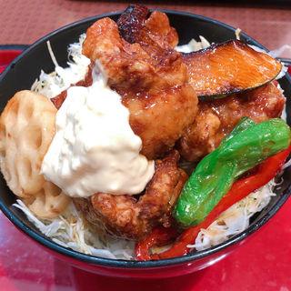 たっぷり野菜とチキン南蛮丼(ザ・どん JR神戸駅店 )