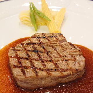 牛フィレ肉のグリエ 赤ワインソース((株)東京會舘 銀座スカイラウンジ)