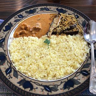 バタークリームチキンカレーと茄子のヨーグルトカレー(Cafe茶論 (カフェ サロン))