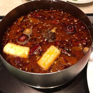 小鍋(白湯スープor麻辣スープ※1種類)(小肥羊 銀座店 (シャオフェイヤン))