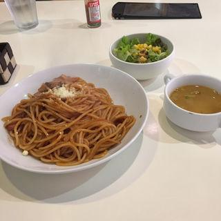 昔ながらのナポリタンスパゲティー (サラダスープ)(洋食屋キッチンKAZU (kitchen KAZU 一))