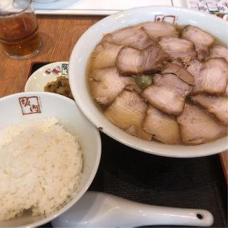 焼豚ラーメン大盛+ライス(喜多方ラーメン 坂内 池袋サンシャイン店 (ばんない))
