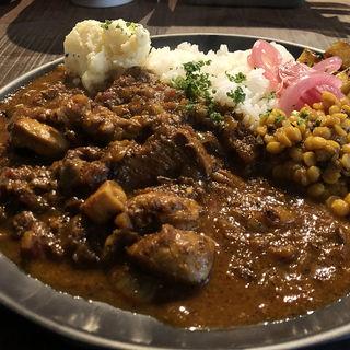 チキンカレー(ポテトサラダ付・小盛り)(ホナマタ)