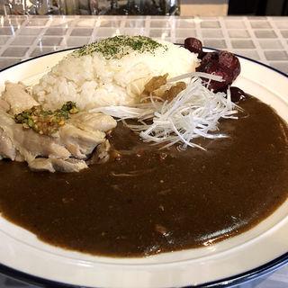 スパイスカレー(蒸し鶏付き)(TSUMUGINO)