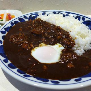 チキンカレー(温泉卵付き)(欧風カレー モンズ (欧風Curry MONZU))