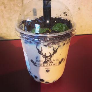 盆栽タピオカミルクティ(ジ・アレイ ルージャオシャン サナギ 新宿テイクアウトブース)