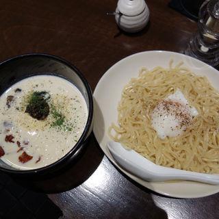 3種チーズのトリュフ豚骨濃厚カルボナーラつけ麺(英国昇龍 (EIKOKU SHORYU))