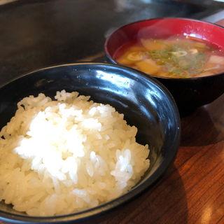 ごはん (味噌汁付き)(銀の卵 二色浜店 )