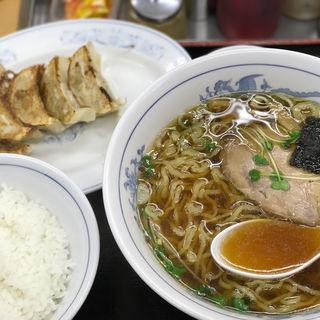 ジローズラーメン(餃子/ライス小)(ジロー's テーブル)