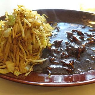ビーフ野菜炒めカレー(みぼうじんカレー )