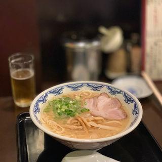 ラーメン(博多麺房 赤のれん (はかためんぼう あかのれん))