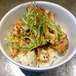 アヒポキ風豚丼(ソラノイロ Japanese soup noodle free style 本店)