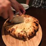 ゴルゴンゾーラ入りチーズナン