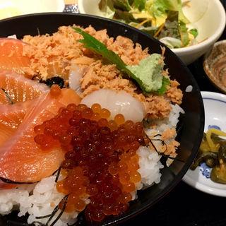いくら丼定食(魚然 八丁堀店)