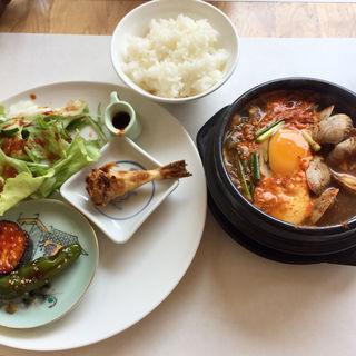 スンドゥブ定食(7階のナム)