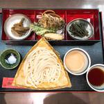 もりうどん 二色つゆ(胡麻・醤油)(田丸屋 (たまるや))