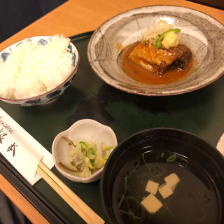 鯖の味噌煮定食(季節料理 根本 )