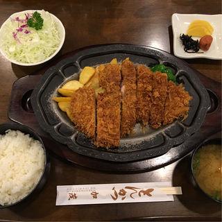 特選ロースカツ定食(とんかつ加茂 )