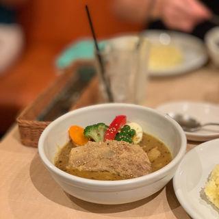 ポーク角煮と野菜のスープカレー(スープカレー syukur 自由が丘店 (シュクル))