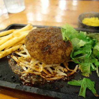 馬のハンバーグ定食(大衆馬肉酒場 馬王 西新店)