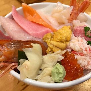 海鮮丼(黒瀬鮮魚店 (クロセセンギョテン))