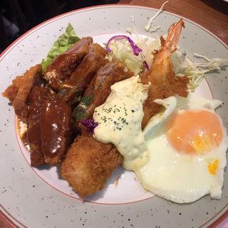 牛カツとエビフライ定食(ビストロスタンドフジ (FUJI))