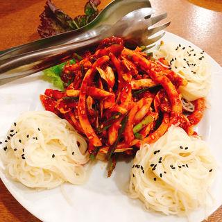 イカ野菜炒めそうめん(韓流館)
