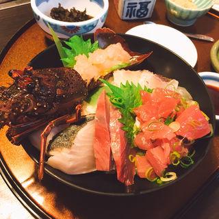 海鮮丼(通年昼数量限定)(伊勢海老 海鮮蒸し料理 華月 (カゲツ))