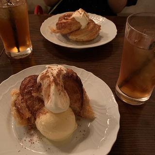焼きたてHOTアップルパイ(バニラアイス付)(ヴァンサンヌ ドゥ (cafe vincennes deux))