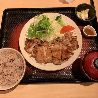 もろみチキンの炭火焼き定食(1.5倍)(大戸屋 仙台一番町店 )