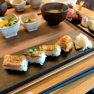 炙り寿司4貫+握り寿司6貫(KINKA)
