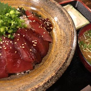 まぐろの漬丼(漁師魂 さかな番長 関内店)