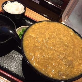鶏卵カレーうどん(小ごはん付き)(うどん居酒屋 江戸堀)