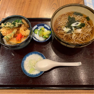 むき海老と竹輪のミニ天丼とお蕎麦(寿屋 寿庵 (じゅあん))