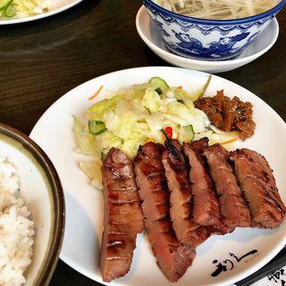 牛タン定食(牛たん炭焼 利久 西口本店 (りきゅう))