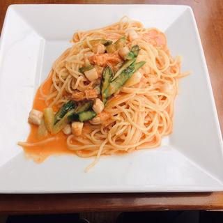 ズワイ蟹とイタヤ貝の小柱のトマトクリームスパゲティー(パティオ (PATIO))